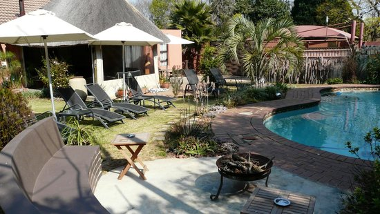 Sitatunga Guest Lodge: jardin