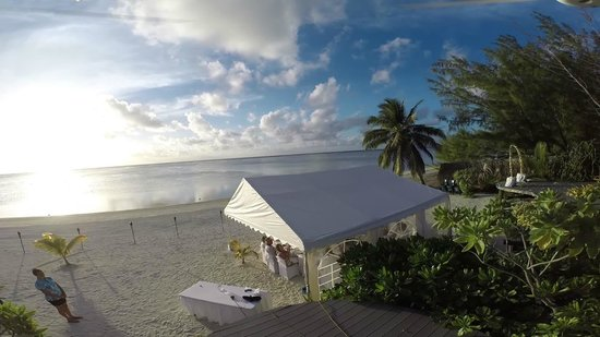 Aitutaki Escape: Can't think of a better place to get married