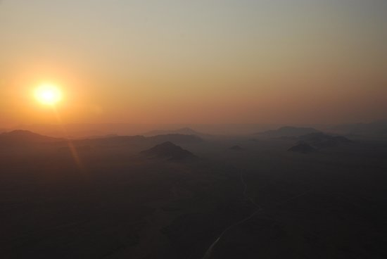Namib Sky Balloon Safaris: sunrise