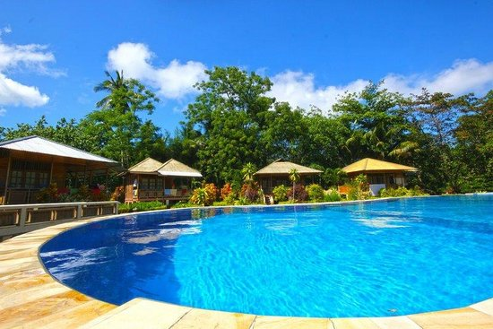 Two Fish Divers Bunaken: Pool side cottages