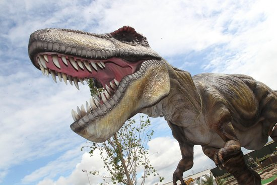 Northolt, UK: Mighty T-Rex