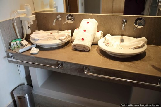 Sirayane Boutique Hotel & Spa: double sinks