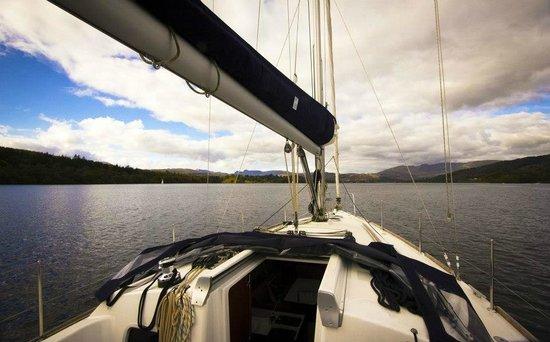 Bowness-on-Windermere, UK: Sailing on Elana