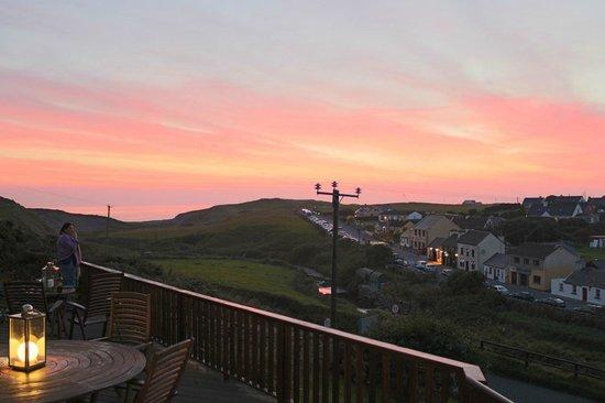 Sea View House Doolin : Guest enjoying an evening sunset