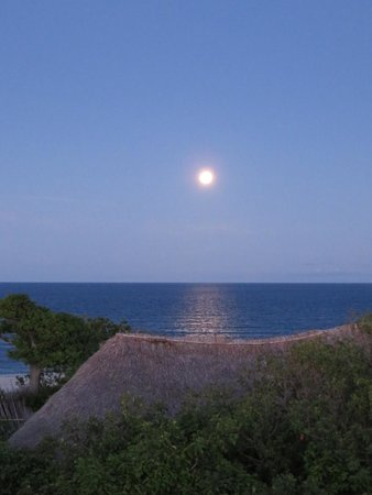 The Lighthouse Beach Resort: You can watch the sunset and the moonrise simultaneously.