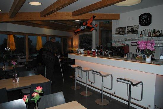 Le Cockpit: bar