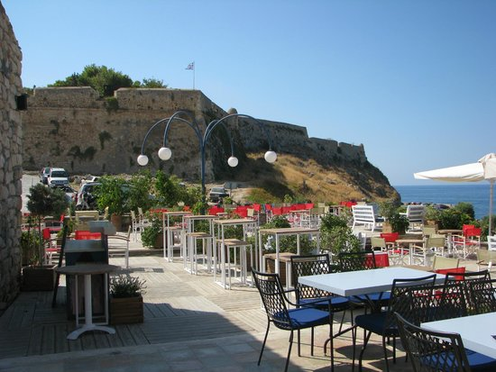 Thalassographia : Верхняя терраса с видом на крепость