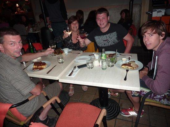 Menza: Gezellig buiten eten