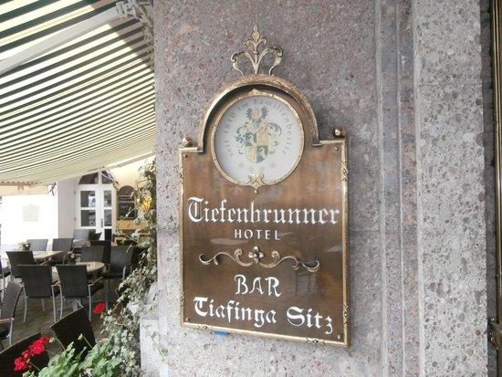 Tiefenbrunner Hotel: Entrance