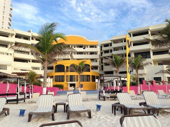 NYX Hotel Cancun: Desde la playa