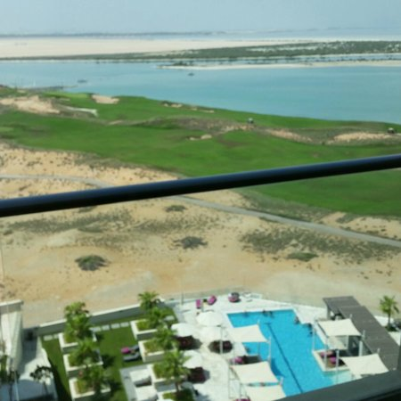 Crowne Plaza Abu Dhabi - Yas Island: View from the balcony