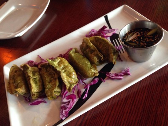 The Cafe, A Mostly Vegetarian Place: Spinat Gyoza (vegetarisch)