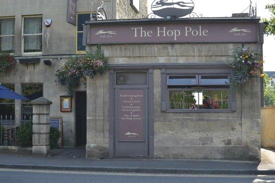 The Hop Pole: Front of pub