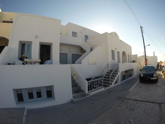 Azul Hotel: view from street. only top level has nicer view
