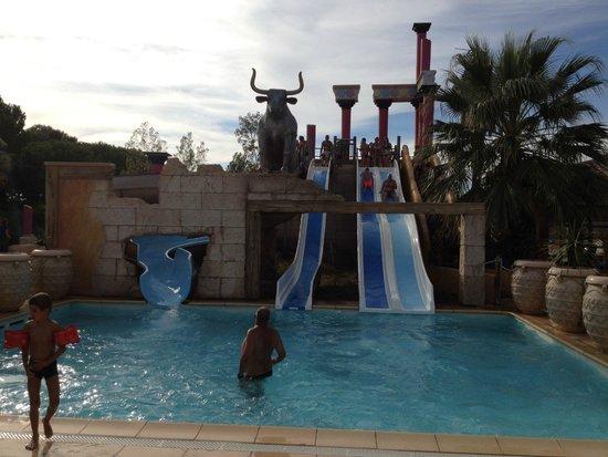 Yelloh! Village Mer et Soleil: Toboggans piscine