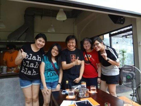 Pum Thai Restaurant & Cooking School: With Pum!