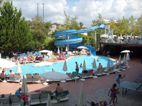 Dosi Hotel: Pool
