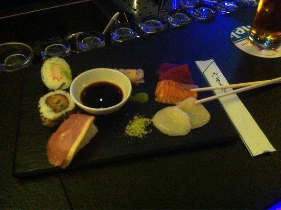 Inntel Hotels Rotterdam Centre: Variado de Sushi y Sashimi