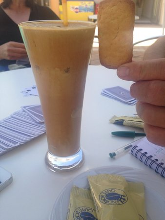 Yakinthos Hotel: One of many delicious frappes made by Maria and Nicki