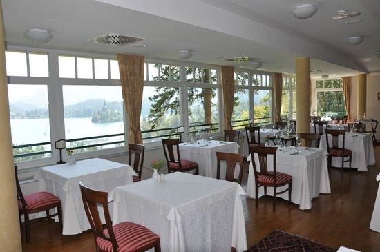 Hotel Triglav Bled: sala interna