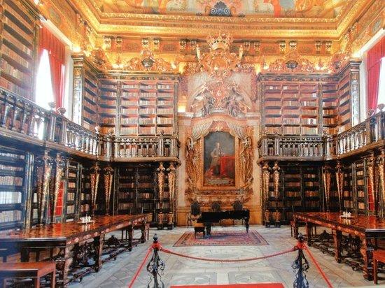 Coimbra, Portugal: Biblioteca sem igual !!!!