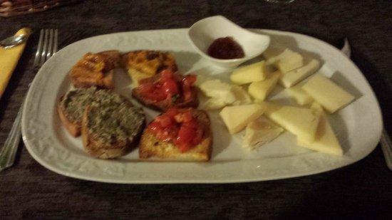 Locanda Il Mascherino: Great cheese starter
