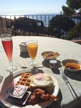 Hotel Aiguablava: Desayuno con vistas preciosas
