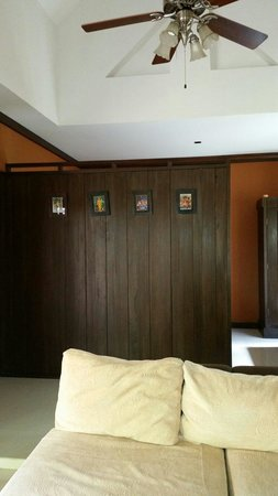 Baan Kao Hua Jook Villas & Apartments: Second bedroom behind the wall