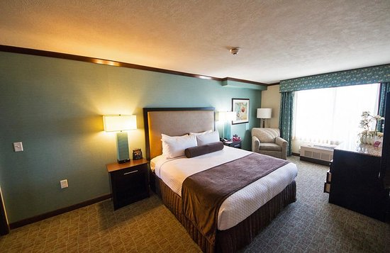Crowne Plaza Anchorage-Midtown : King Executive Spa Suite