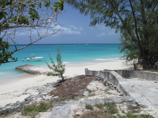 Tranquillity On The Bay Resort: Long Cay Lunch Spot