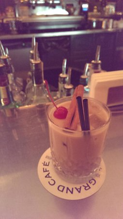 Grand Cafe: White Russian