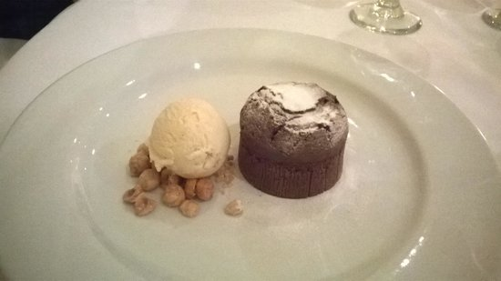 Regency Park Hotel: chocolate fondant to die for!!!