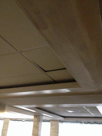 Park Hotel: Contro soffitto cadente