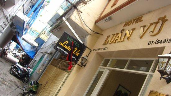 Luan Vu Hotel: 入口