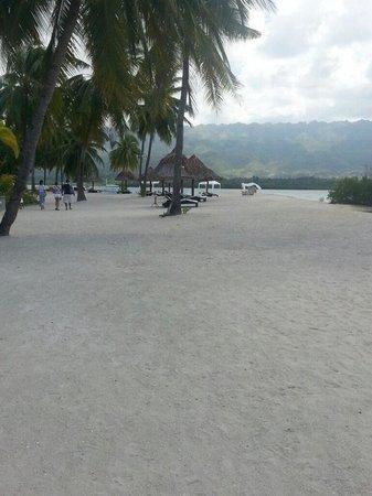 Badian Island Resort and Spa: the beach