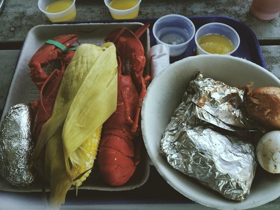 Cabbage Island Clambakes: the spread