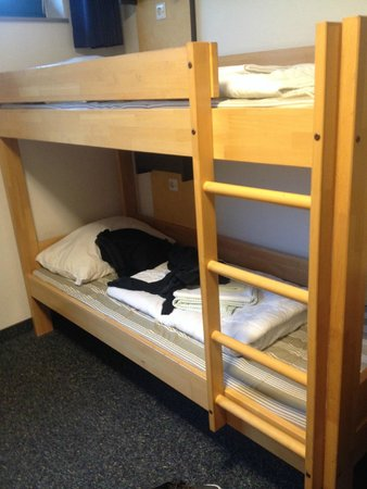 Jugendgaestehaus Koeln Riehl: the bed