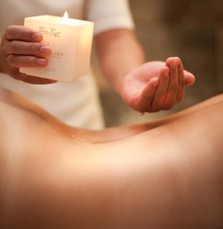Ривьер-Нуар: candle massage of 90min, relaxaing and sensual full body massage