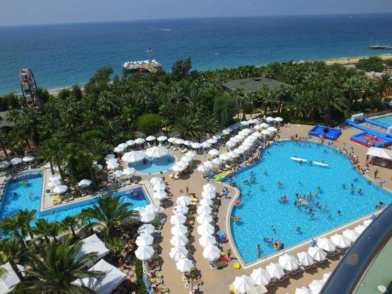 Delphin Deluxe Resort: The pools