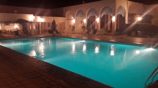 Hotel  Sidi Bou Said : Pool by night