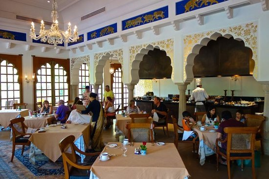 The Oberoi Rajvilas: The restaurant at Oberoi Rajvilas in Jaipur
