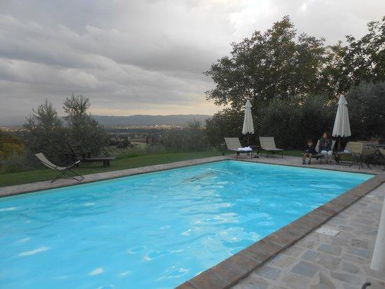 Casale Favilluta : la piscina