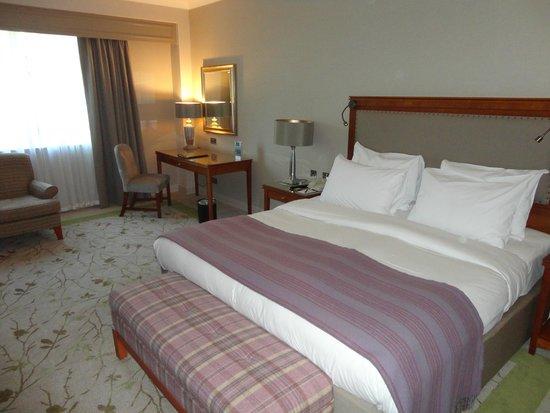 Druids Glen Hotel & Golf Resort: stanza spaziosa