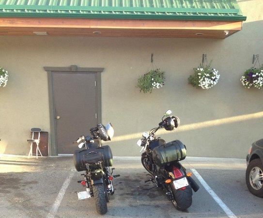 Creston Hotel: Parking