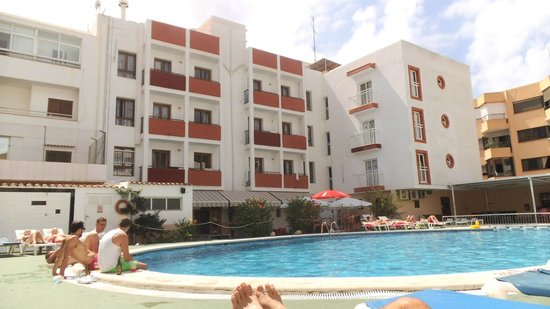 Marian Apartments : Sun lounger view