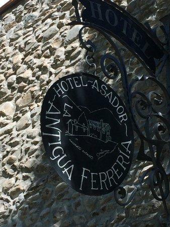 La Antigua Ferreria Hotel Rural : hotel sign