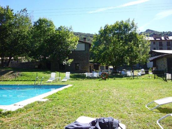 La Antigua Ferreria Hotel Rural : Pool side