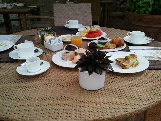 """Garden & Villas Resort: """"piccola"""" colazione mattutina"""