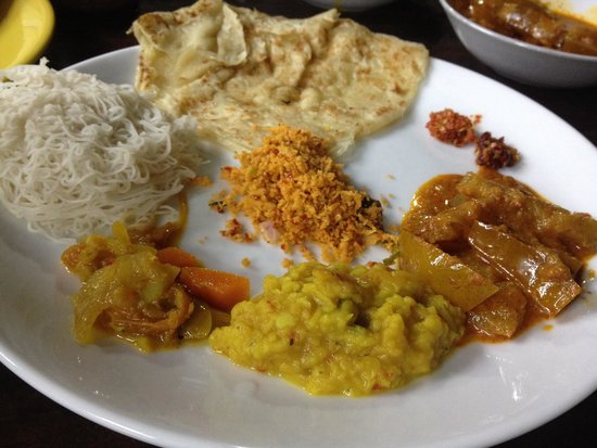 Chinthana Bakers and Restaurants/Sleepzone: Veg curry