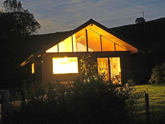 Seafield Farm Cottages: Kirkland at Sunset